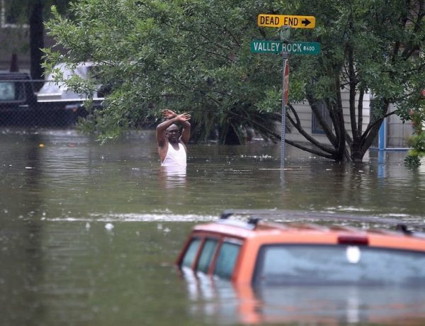 uragano harvey texas houston piogge record danni morti louisiana