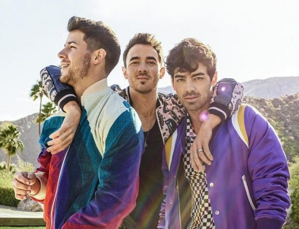 """Jonas Brothers in radio con """"What A Man Gotta Do"""""""