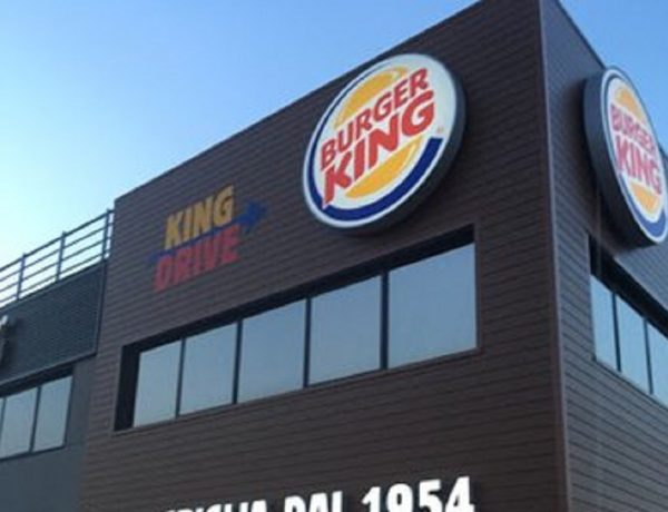"Burger King lancia appello: ""Ordinate da McDonald's"""