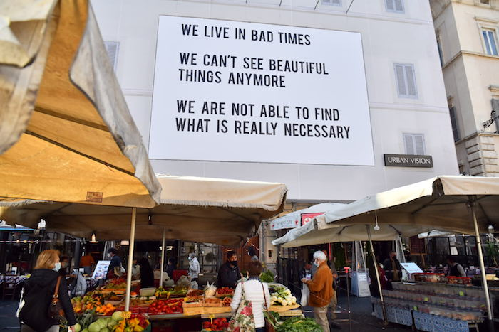 We live in bad times: affissione misteriosa a Roma