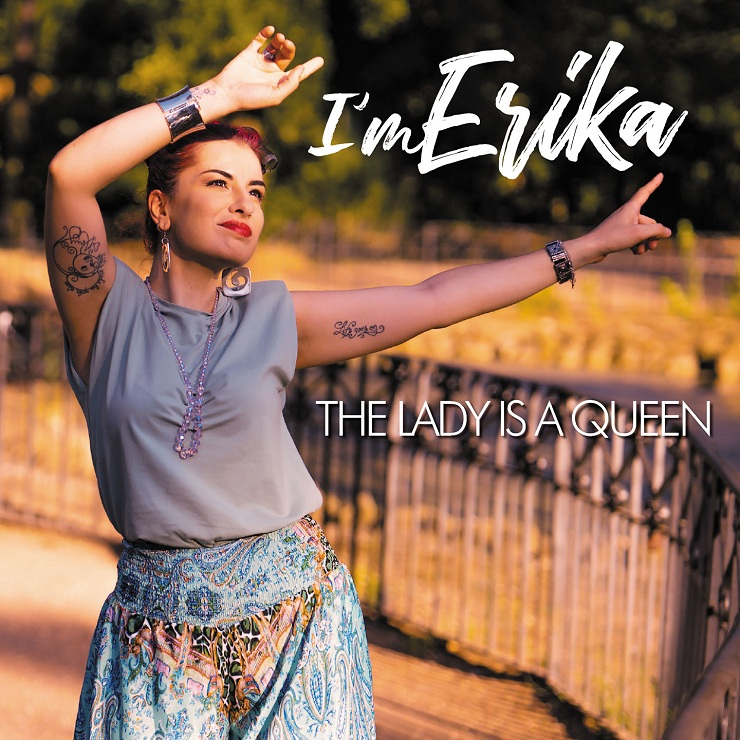 """I'm Erika in radio con """"The Lady is a Queen"""""""